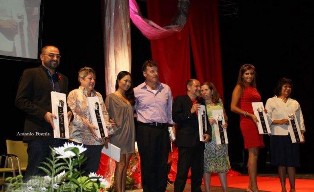 Los premiados en Baeza Diversa 2011, Antonio Poveda FELGTB con el premio