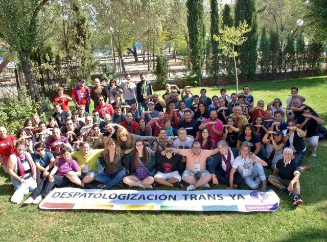 Foto de familia del Consejo Federal de Otoño, con la pancarta por la Despatologización De La Transexualidad